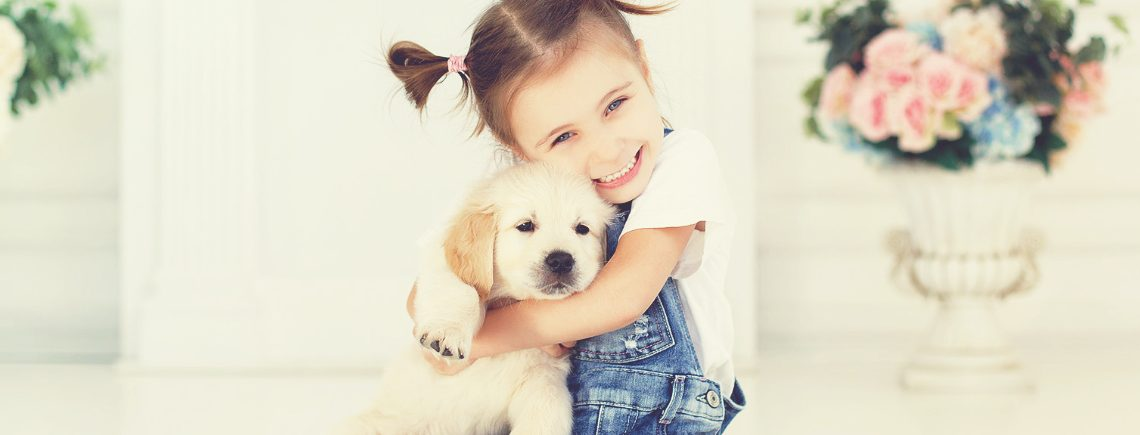 young girl and puppy, puppy care, puppy advice centre